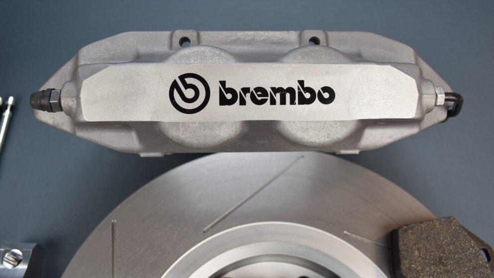 Kit freni Saxo 106 pinza Brembo Clio RS3 det 2