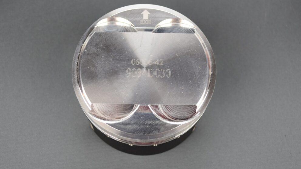 Pistoni Clio Williams alta compressione Wossner 3