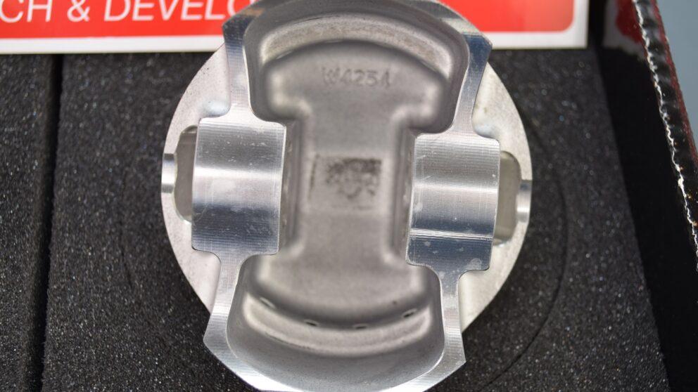 Pistoni Wossner TU5 JP4 C2 206 Super 1600 biella 137 mm 3 jpg
