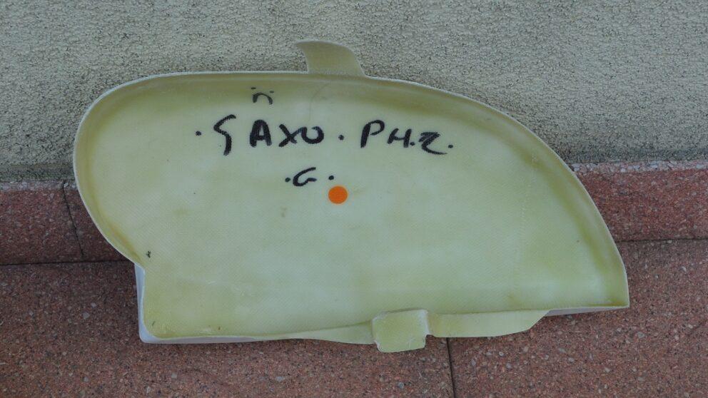 Merc finto faro Saxo