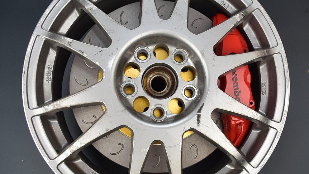 Montaggio 17 pollici kit freni Clio RS4