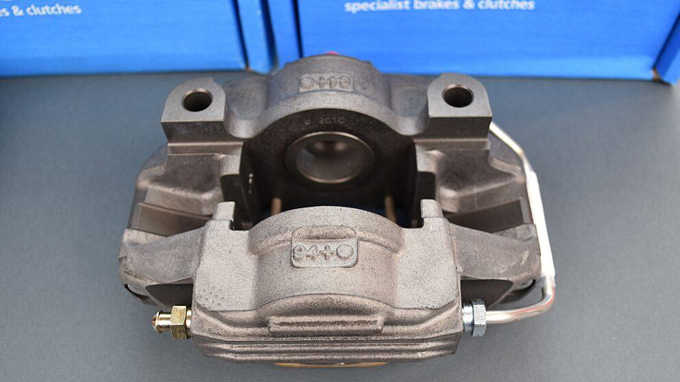Pinze Alcon nuove Saxo Super 1600 posteriori 3