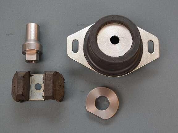 Supporto motore Saxo 106 tipo Gr A economico 2