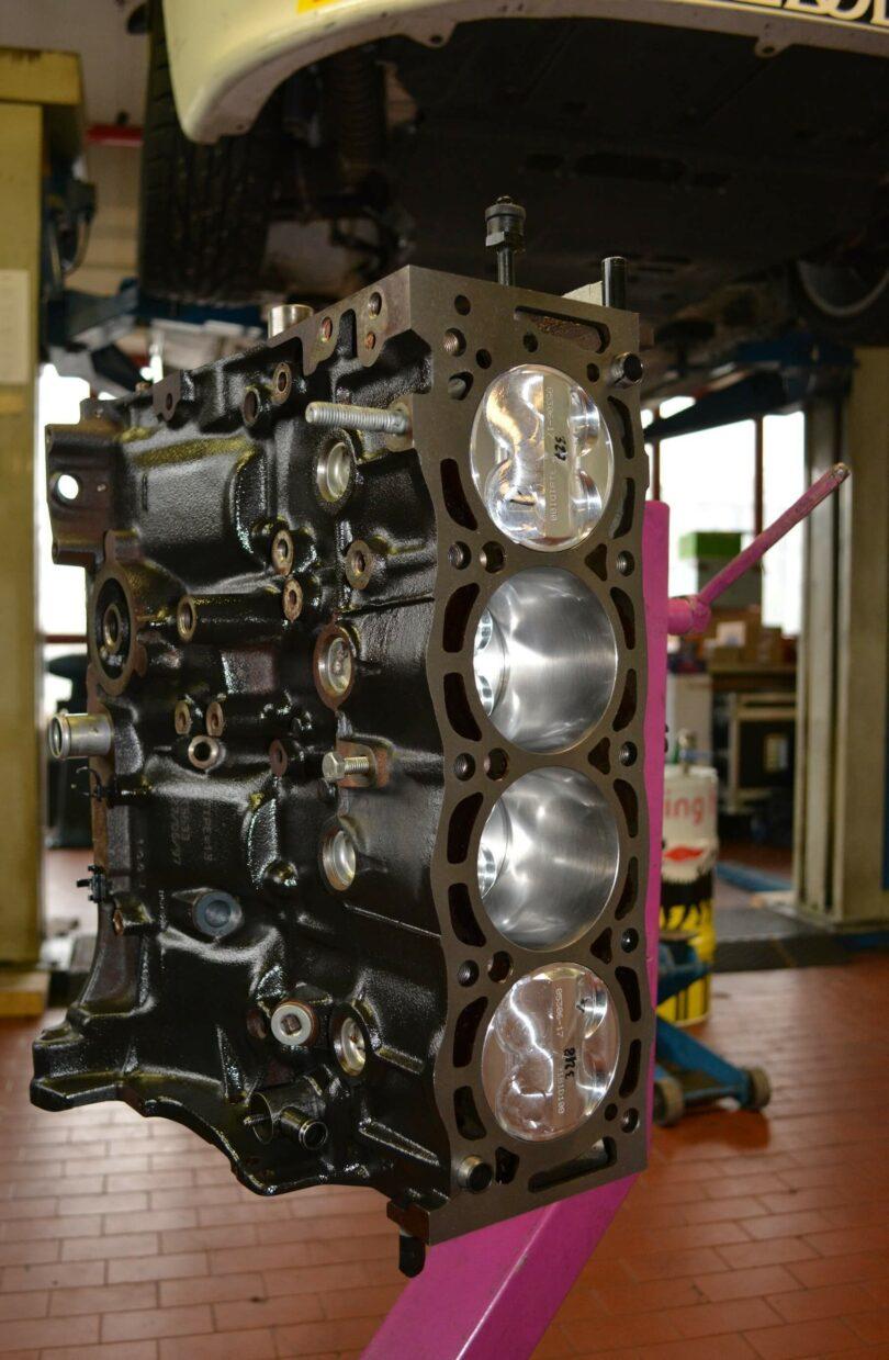 Motore blocco XU10 J4 RS