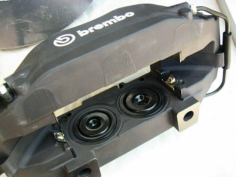 Tecnica freni pinza Brembo 302 mm