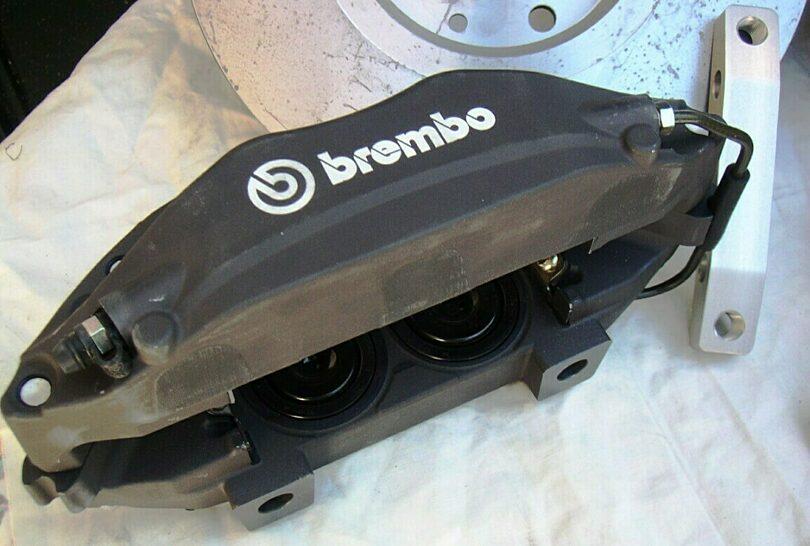 Tecnica freni pinza Brembo 302 mm 2