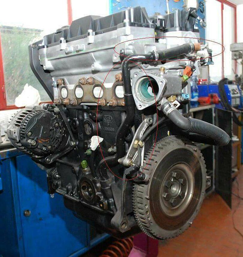Tecnica motore giro sfiato olio testa 2