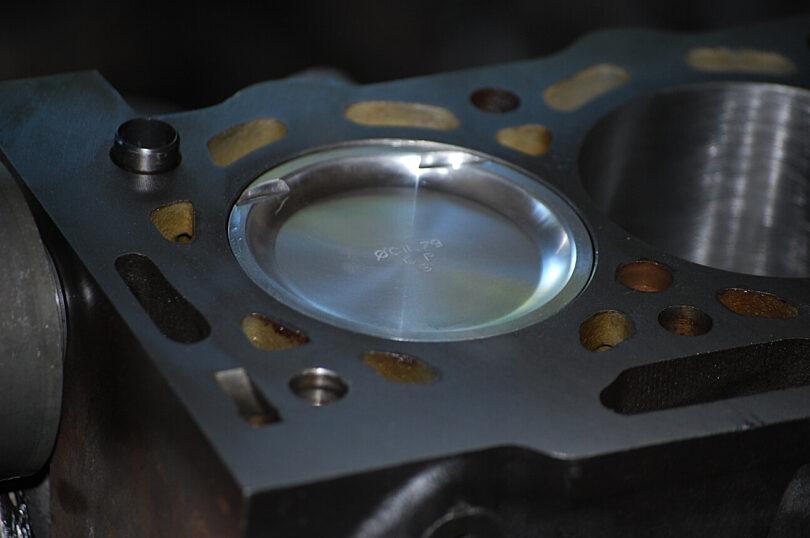 Tecnica motore pistone turbo monoblocco Saxo