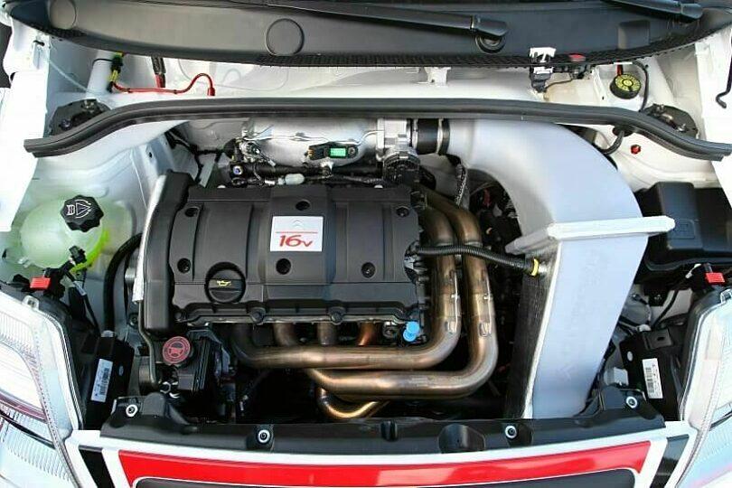 Tecnica motore scarico collettori C2 R2 Max